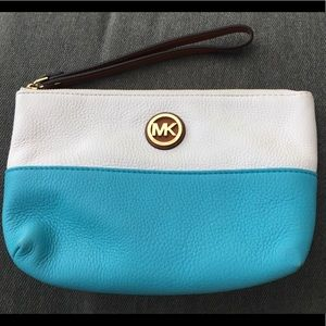 Michael Kors zip wristlet blue and white